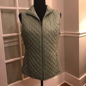 Eddie Bauer olive green quilted vest S